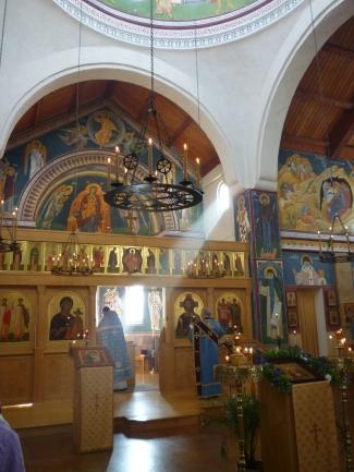 P1120397 altar w beams