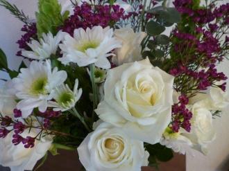 symp white roses