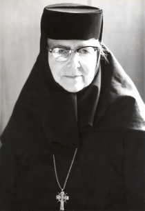 mother-alexandra-glasses